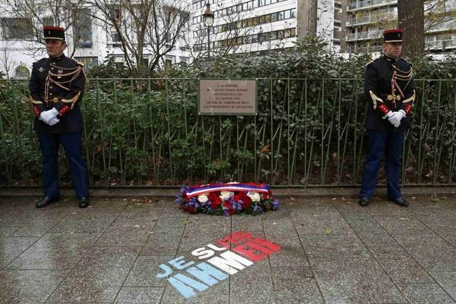 Paris tuong niem mot nam vu tan cong Charlie Hebdo hinh anh 5