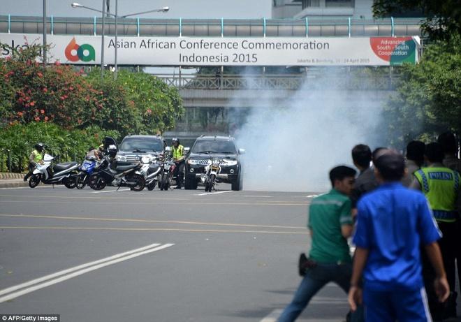 Hien truong vu no lien hoan o thu do Indonesia hinh anh 11