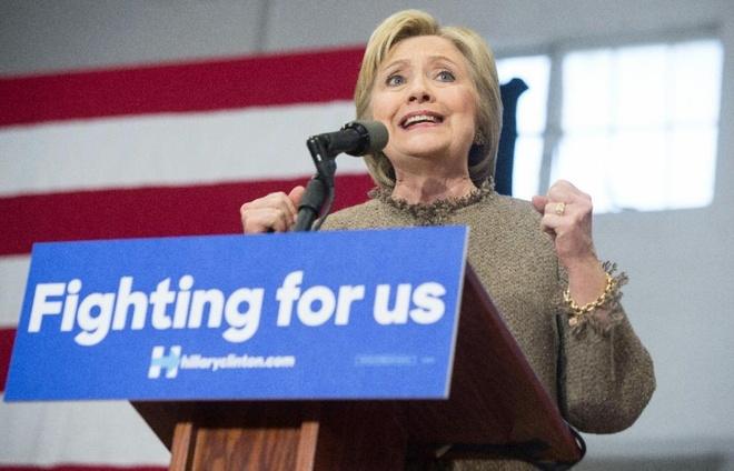Ba Clinton thang lon tai bau cu bang South Carolina hinh anh