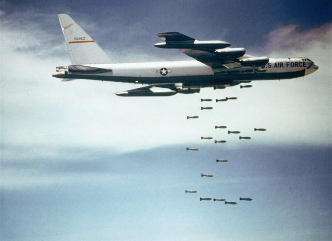 Nhung loai bom My tha xuong Viet Nam hinh anh