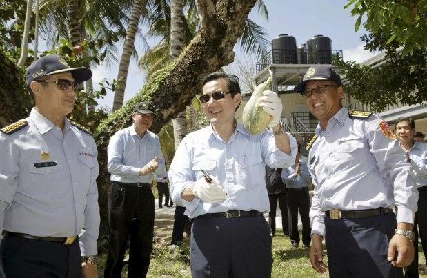 Dai Loan cho bao chi quoc te tham quan trai phep dao Ba Binh hinh anh 1