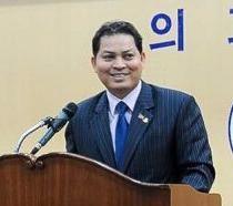 Dai su Campuchia tai Han Quoc bi bat vi tham nhung hinh anh