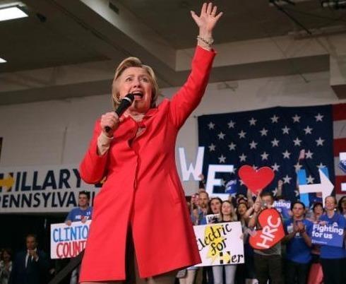 Ba Clinton thu hut cu tri bang nu ung vien pho tong thong? hinh anh
