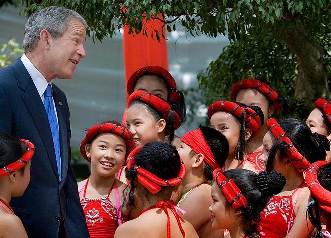 APEC 2006 va chuyen tham nang tam cua Tong thong Bush hinh anh