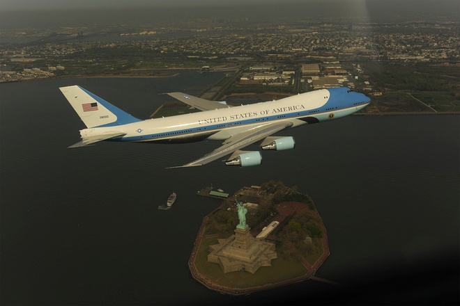 Quy trinh bao ve chuyen co Air Force One cua Obama hinh anh