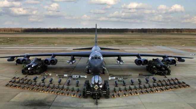 My se bien B-52 thanh 'kho vu khi bay' hinh anh