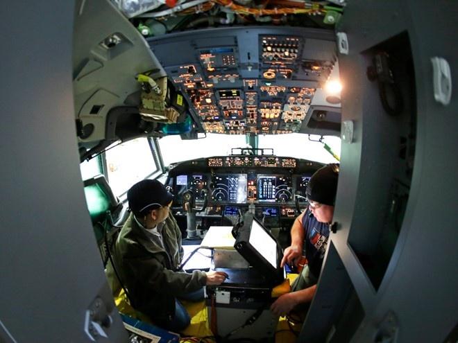 Ben trong Boeing ma VN vua mua duoi su chung kien cua Obama hinh anh 2