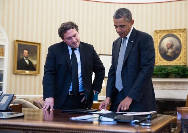Chan dung nguoi chap but cac bai dien van cho Obama hinh anh 1