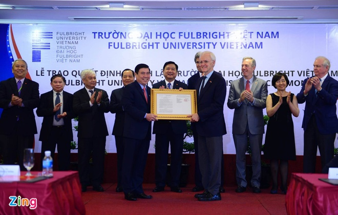 Ong Kerry chung kien trao quyet dinh thanh lap DH Fulbright hinh anh 1