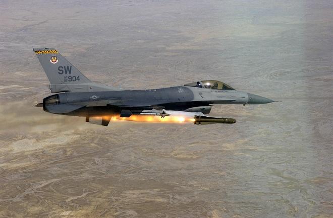 Dac tinh khong chien uu viet cua F-16 hinh anh 12