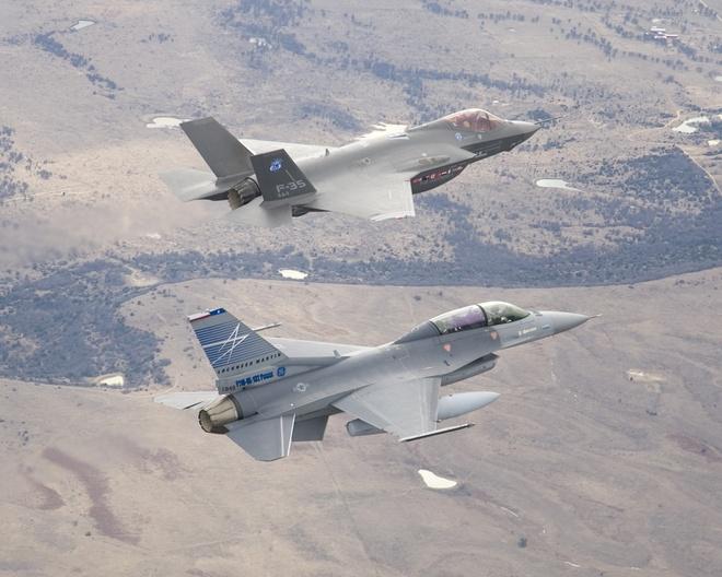 Dac tinh khong chien uu viet cua F-16 hinh anh 4