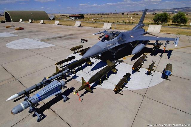 Dac tinh khong chien uu viet cua F-16 hinh anh 8
