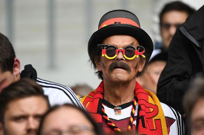 Muon kieu hoa trang cua co dong vien tai Euro 2016 hinh anh 6