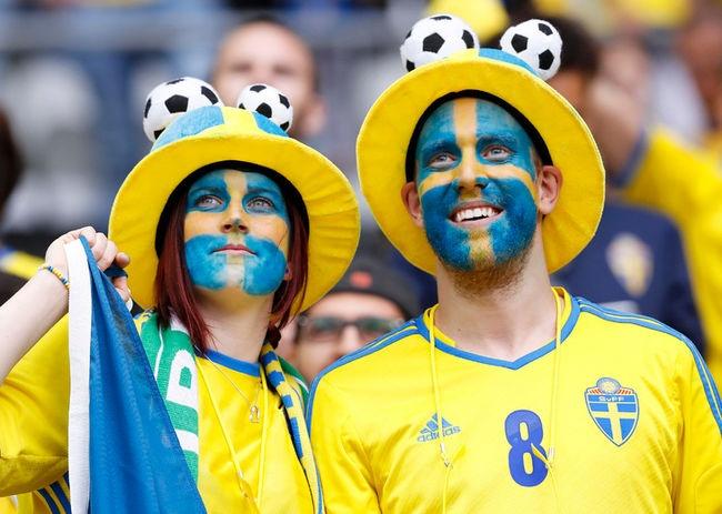 Muon kieu hoa trang cua co dong vien tai Euro 2016 hinh anh 8