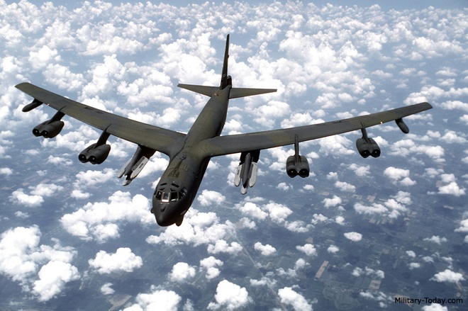 Ten lua nguy hiem nhat cua may bay B-52 hinh anh