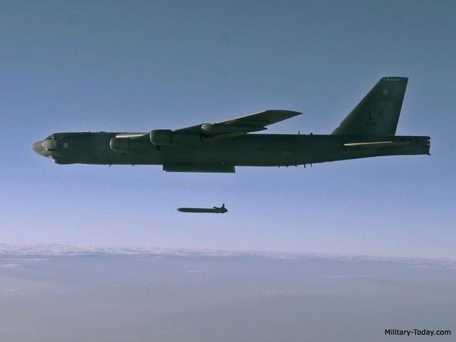 Ten lua nguy hiem nhat cua may bay B-52 hinh anh 11