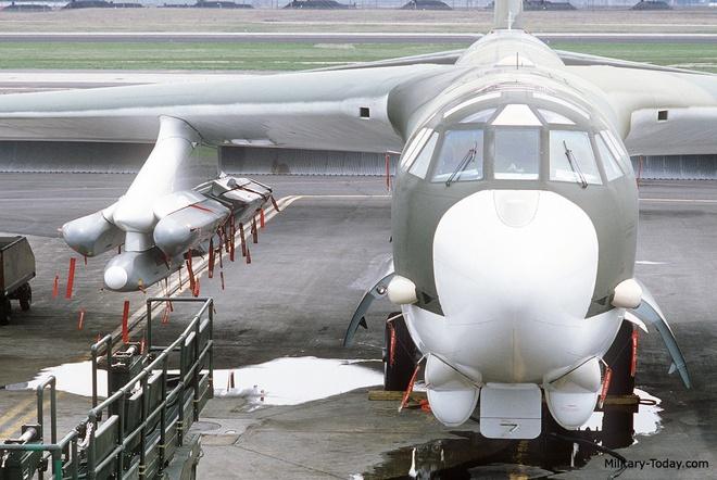 Ten lua nguy hiem nhat cua may bay B-52 hinh anh 8