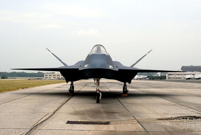 Sieu tiem kich YF-23 co the xuat sac hon F-22 hinh anh 2