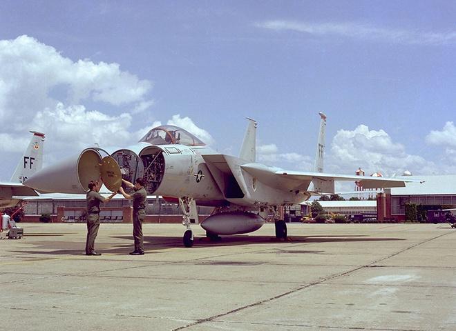Tiem kich F-15 Eagle cua My anh 6