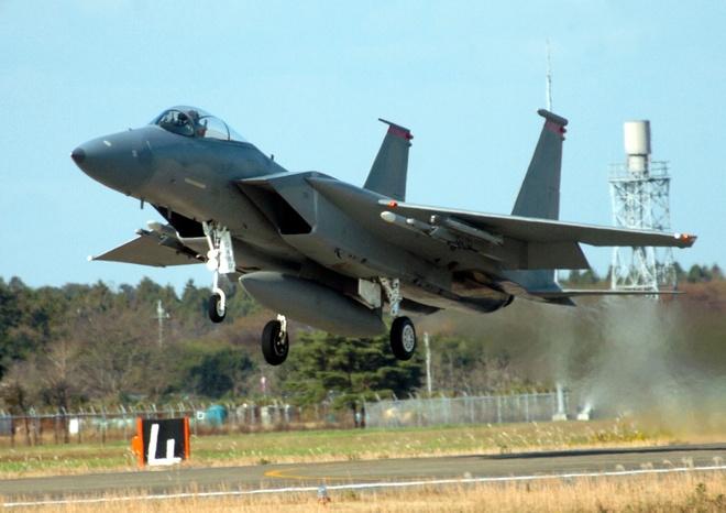 Tiem kich F-15 Eagle cua My anh 3