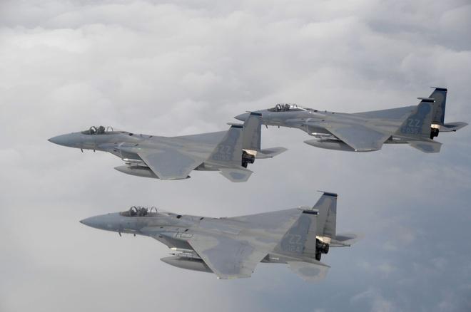 Tiem kich F-15 Eagle cua My anh 10