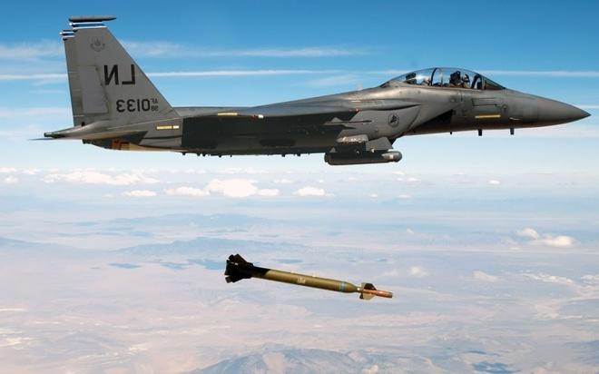 Tiem kich F-15 Eagle cua My anh 8