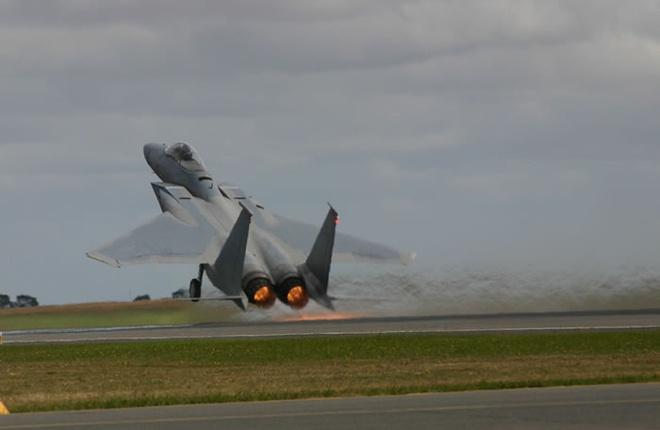 Tiem kich F-15 Eagle cua My anh 5