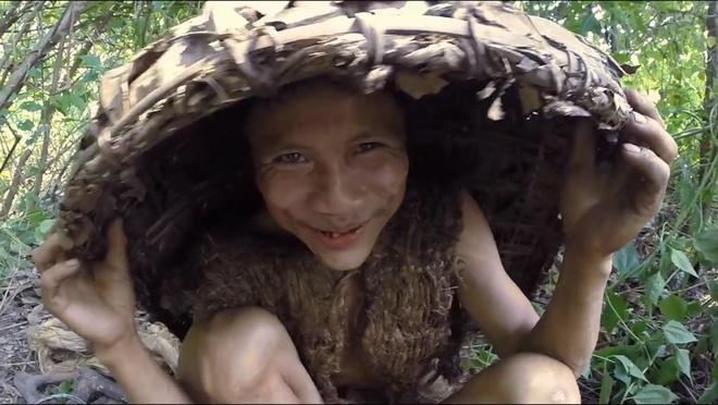 'Tarzan Viet Nam' va chuyen sinh ton giua rung hon 40 nam hinh anh