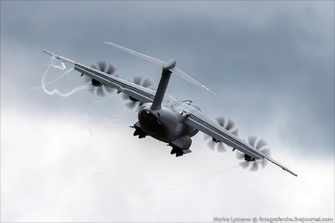 Tiem kich F-35 tro tai nhao lon tai Farnborough Airshow hinh anh 6