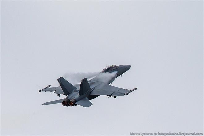 Tiem kich F-35 tro tai nhao lon tai Farnborough Airshow hinh anh 7
