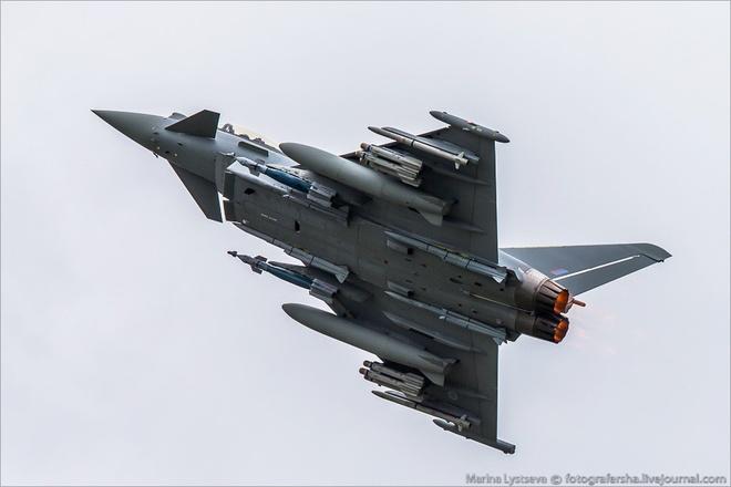 Tiem kich F-35 tro tai nhao lon tai Farnborough Airshow hinh anh 8