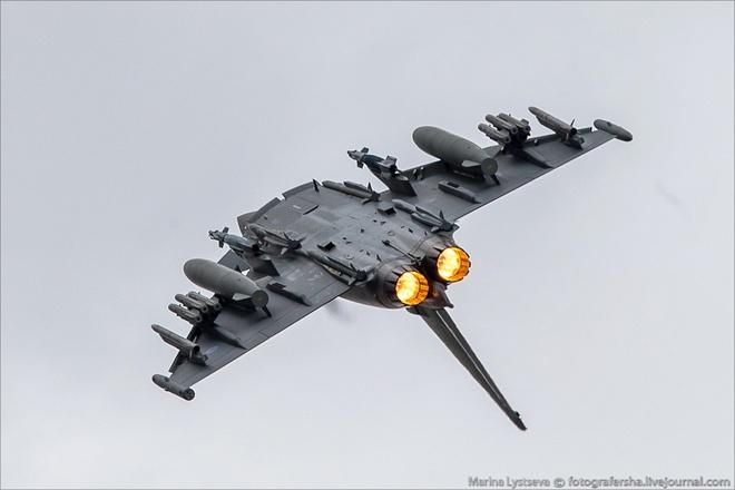 Tiem kich F-35 tro tai nhao lon tai Farnborough Airshow hinh anh 9