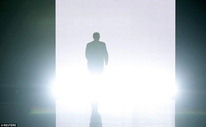 Donald Trump xuat hien tai Hoi nghi Quoc gia cua dang Cong Hoa hinh anh