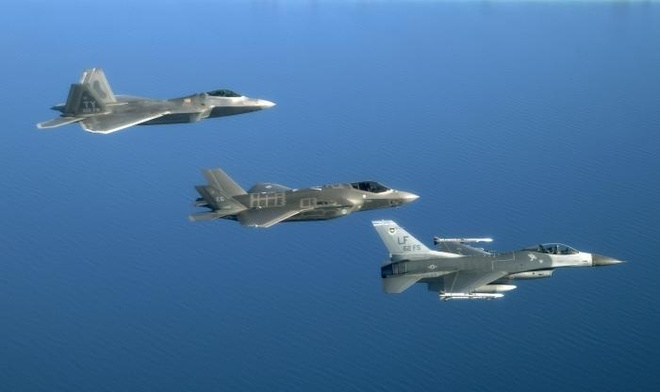 Tiem kich tang hinh F-35 anh 4