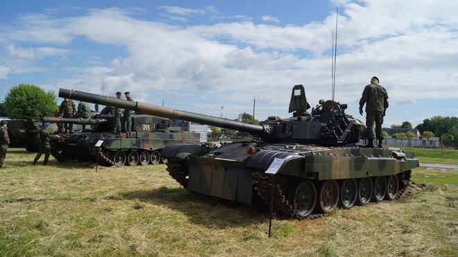Xe tang PT-91 cua Ba Lan anh 2
