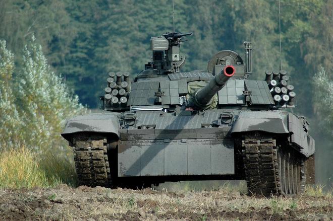 Xe tang PT-91 cua Ba Lan anh 8