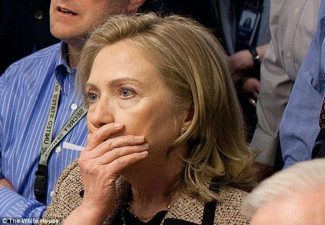 Bi FBI tai dieu tra, Clinton hung don nang truoc them bau cu hinh anh