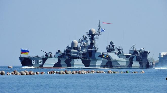 Nhung vu khi Nga khien NATO de chung hinh anh