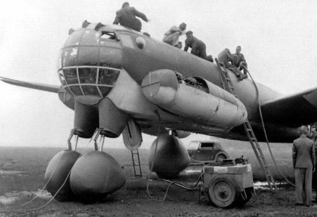 may bay canh nguoc Ju-287 anh 2