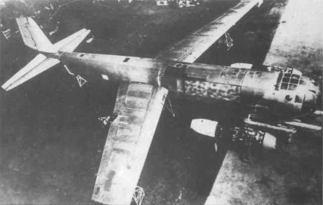 may bay canh nguoc Ju-287 anh 1