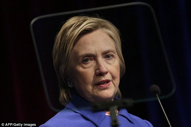 Ba Clinton xuat hien nhot nhat, met moi sau that bai hinh anh
