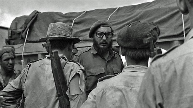 Vinh Con Lon - su kien cung co tai lanh dao cua Castro hinh anh