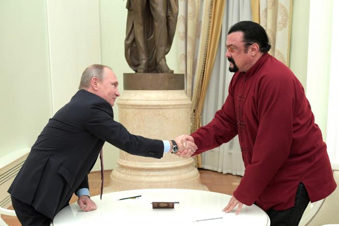 Putin dich than tang ho chieu cho tai tu vo thuat My hinh anh 1