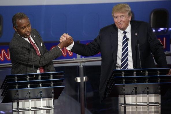 Trump chon bo truong da mau dau tien trong noi cac hinh anh