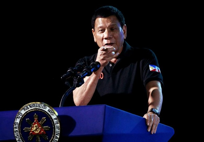 Tong thong Duterte dong y mua vu khi Trung Quoc hinh anh 1