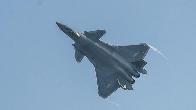 Cuoc dua F-35 va J-20: Ke tam lang, nguoi nua can hinh anh 3