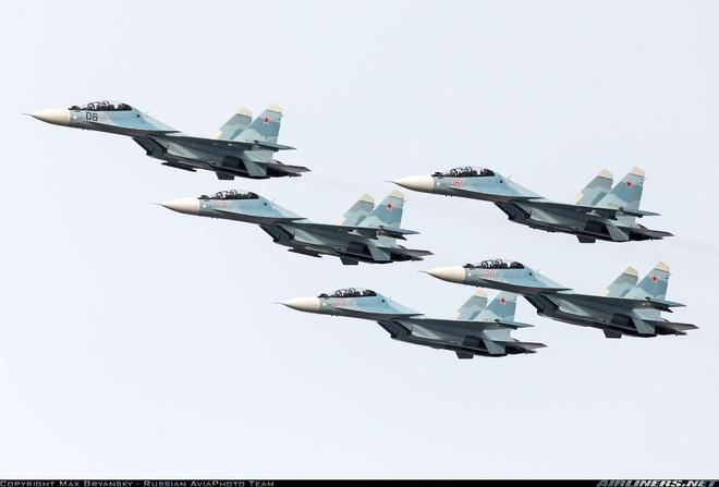 Nga san xuat 170 may bay, 905 xe tang trong 2017 hinh anh 1