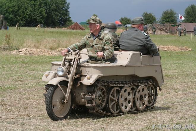 Moto lai xe tang doc nhat vo nhi tren the gioi hinh anh 9