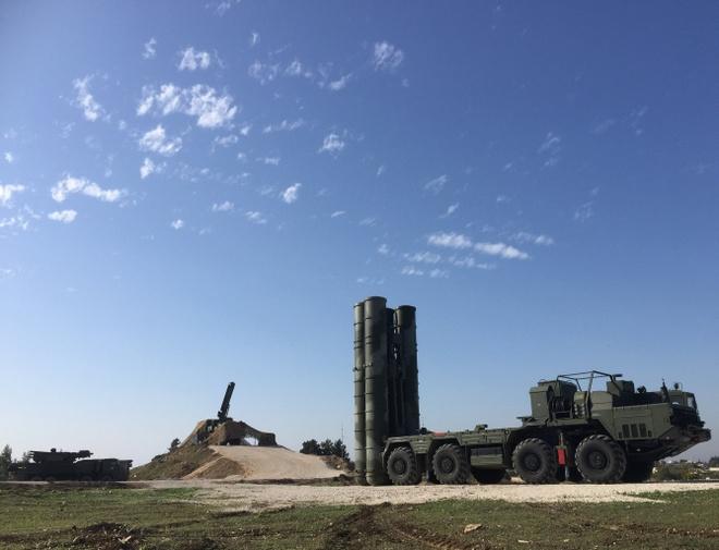 Chuyen gia Nga thua nhan S-400 khong du che bau troi Syria hinh anh 1