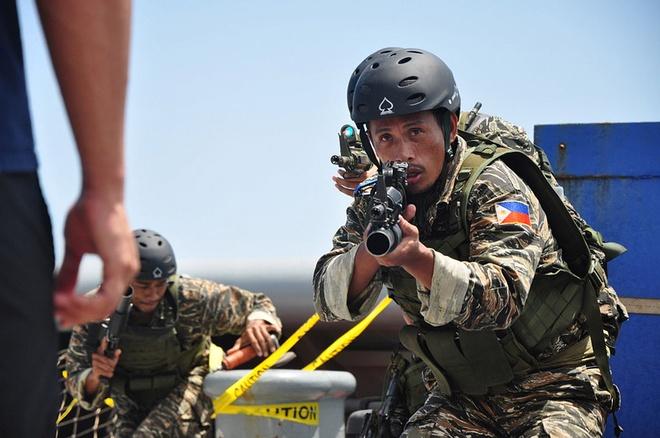 44 nguoi thiet mang trong cuoc bao loan o Marawi hinh anh